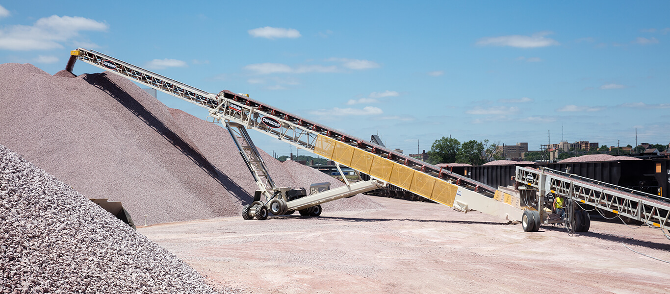 Superior Industries Telestacker Conveyor at L.G. Everist