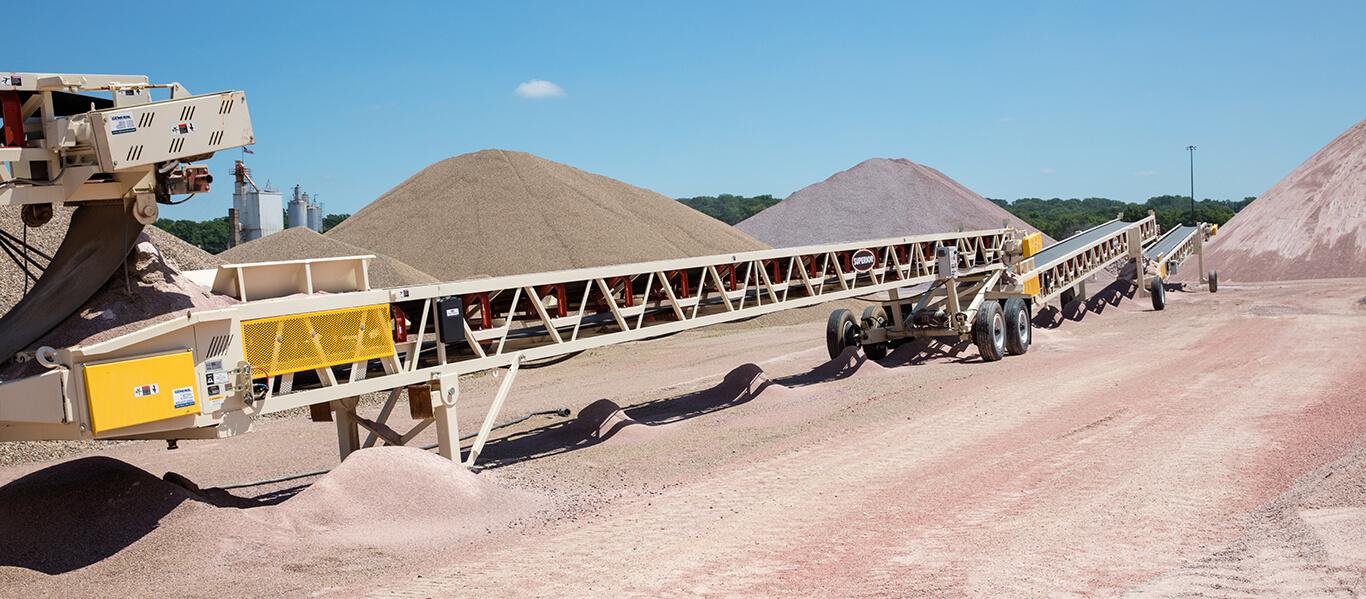 Superior transfer conveyors at L.G. Everist