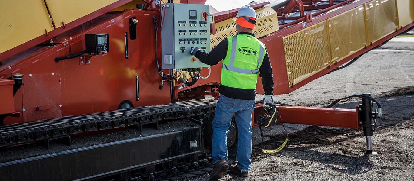 Razerlink® Mobile Conveyor by Superior Industries