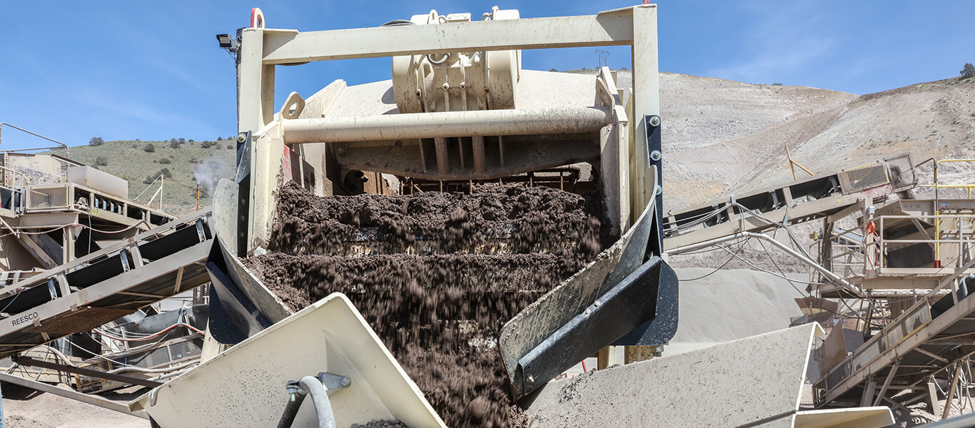 material transition point: sand moving from Alliance Low Water Washer to stacking conveyor.