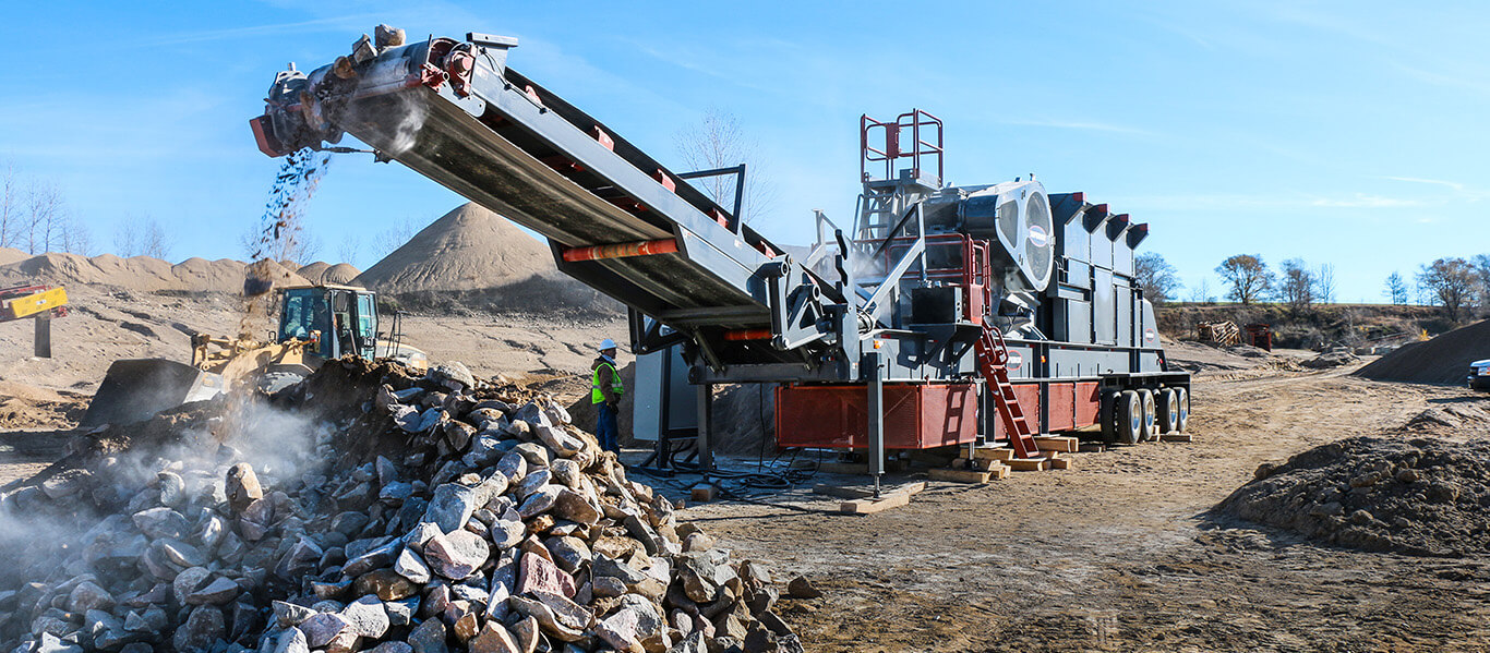 jaw crusher at sand pit in Glenwood, MN