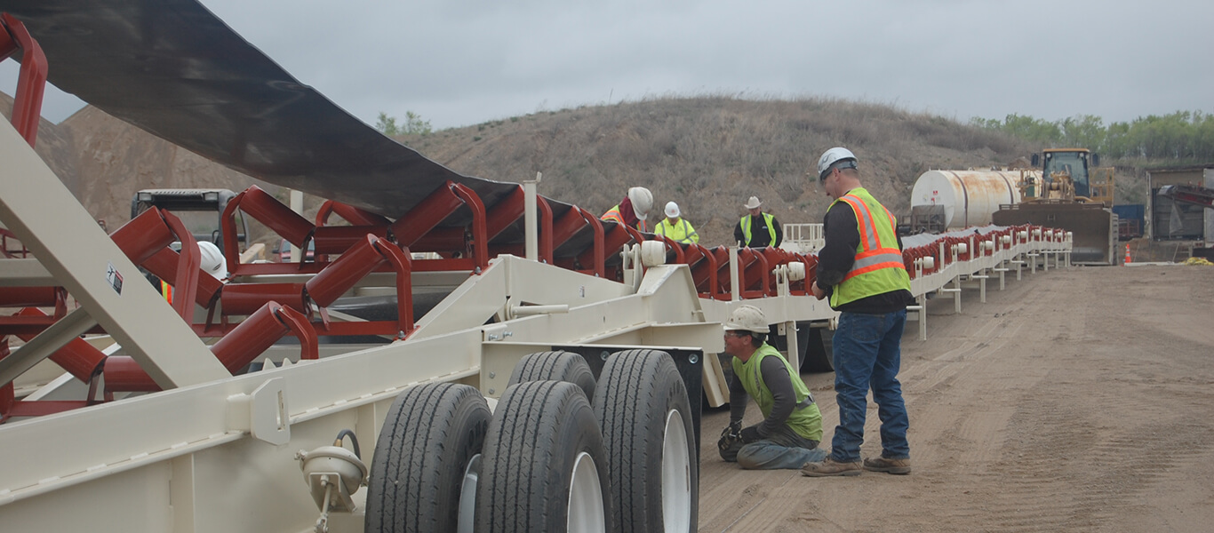 setting up Trailblazer® Conveyor with a crew of 5