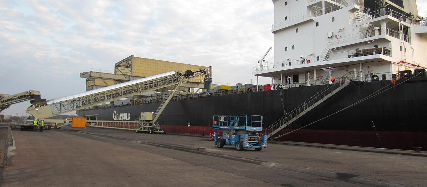 side profile of shiploading operation