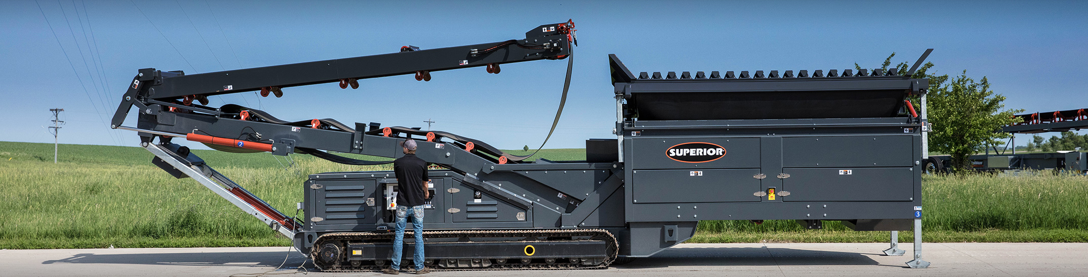 Tracked Portable Feed Hopper by Superior Industries