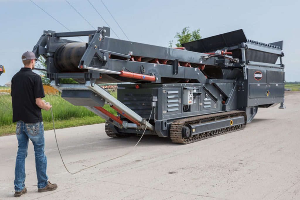 Learn more about our Tracked Portable Feed Hopper | Superior Industries