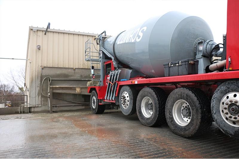 Cement Truck utilizing concrete washout system