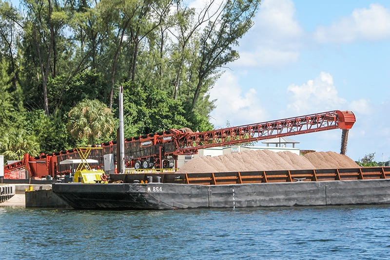 Conveying - barge loading - 04 by Superior Industries