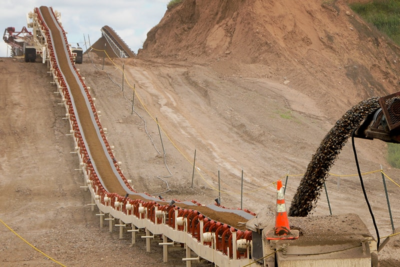 Trailblazer Conveyor transferring material