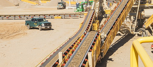 Zipline Conveyor | Overland Conveyors | Superior Industries