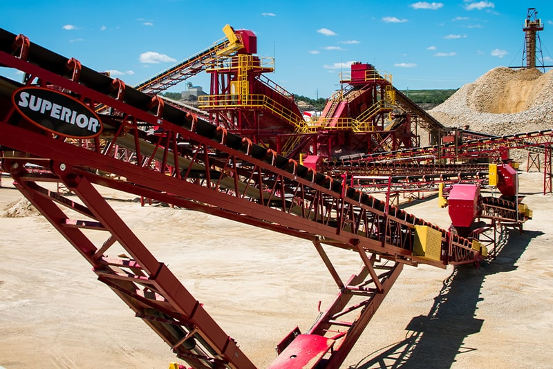 customer-story-kraemer-mining-construction-management-by-superior-industries-3