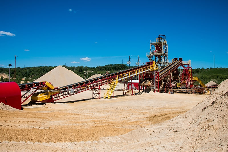 customer-story-kraemer-mining-construction-management-by-superior-industries-4
