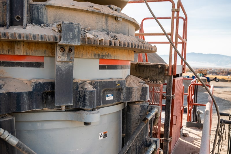 customer-story-maverick-crushing-materials-patriot-cone-crusher-by-superior-industries-2