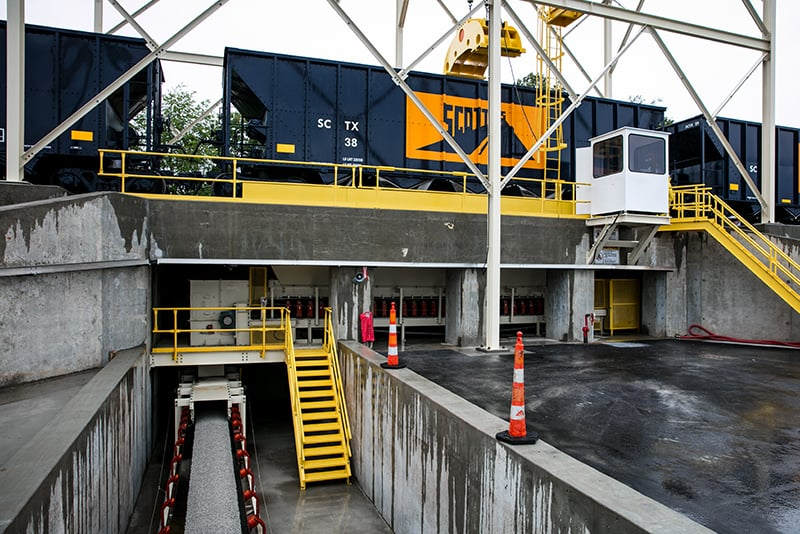 customer-story-scottys-contracting-rail-loading-by-superior-industries-5