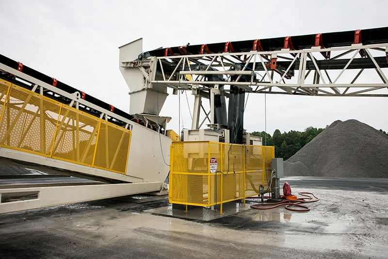 customer-story-scottys-contracting-rail-loading-by-superior-industries-6