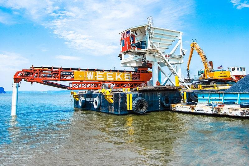 customer-story-weeks-marine-barge-mounted-telestacker-by-superior-industries-3