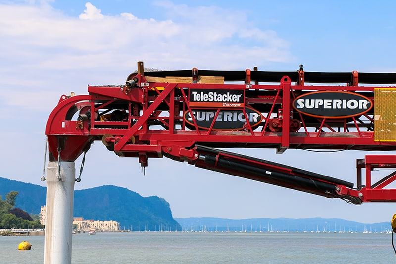 customer-story-weeks-marine-barge-mounted-telestacker-by-superior-industries