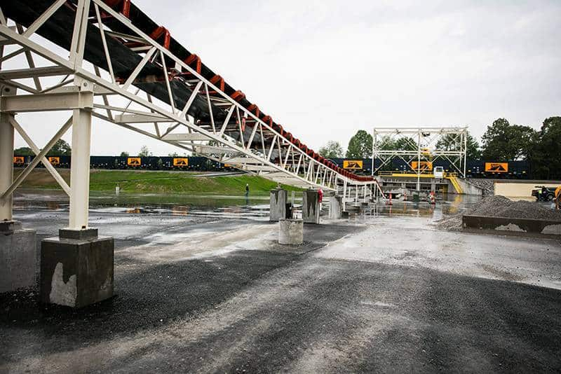 Rail Loading at Scotty's Asphalt | Superior Industries